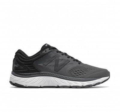 W940v4 Black/Magnet Running Shoe